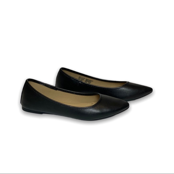 SO - BLACK CUSHY FLATS SIZE: 6.5 WOMENS